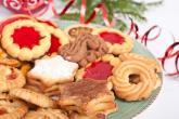Pečení cukroví je jedním z vánočním zvyků.