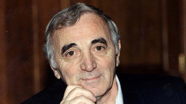 Charles Aznavour zemřel ve věku 94 let.