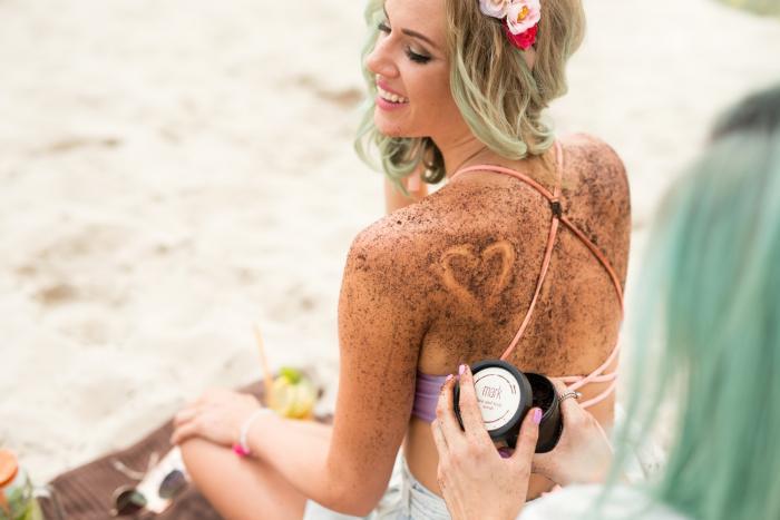 MARK scrub je jedním z řešení, jak zatočit s nevzhlednou kůží.