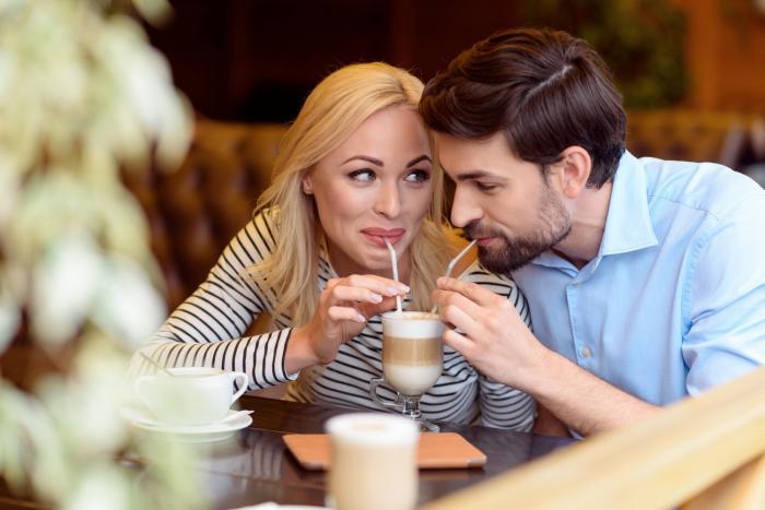 Seznámit se v kavárně - proč ne?