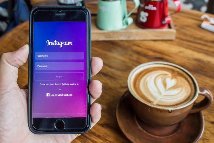 Instagram je moderní aplikace, bez které se jen málokdo obejde.