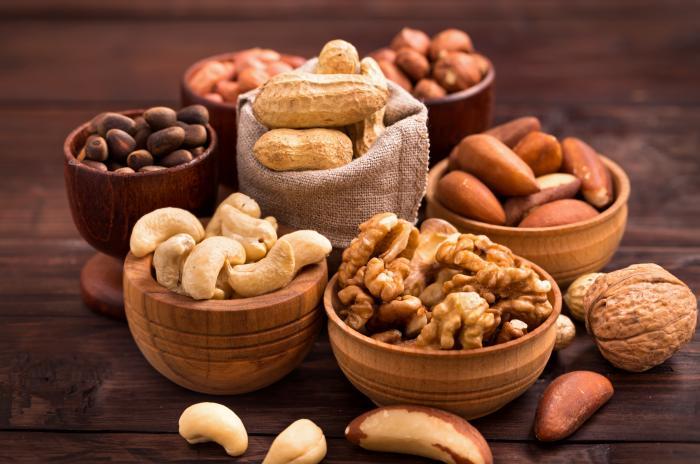 Ořechy se do zdravého jídelníčku hodí, ne že ne!