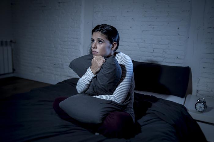 Nespavost není každý problém se spánkem.