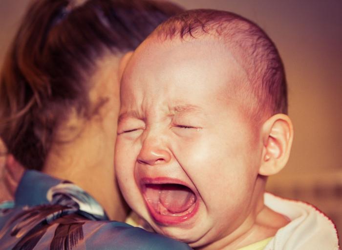 Proč dítě pláče? Na tohle se můžeš ptát třeba celý život.