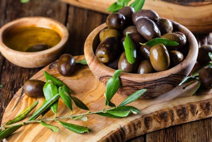 Denně bychom měli sníst sedm oliv, abychom měli dostatek zdravých olejů.