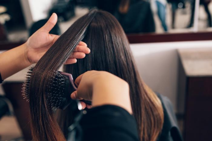 Po pevných a hustých vlasech touží každá žena.