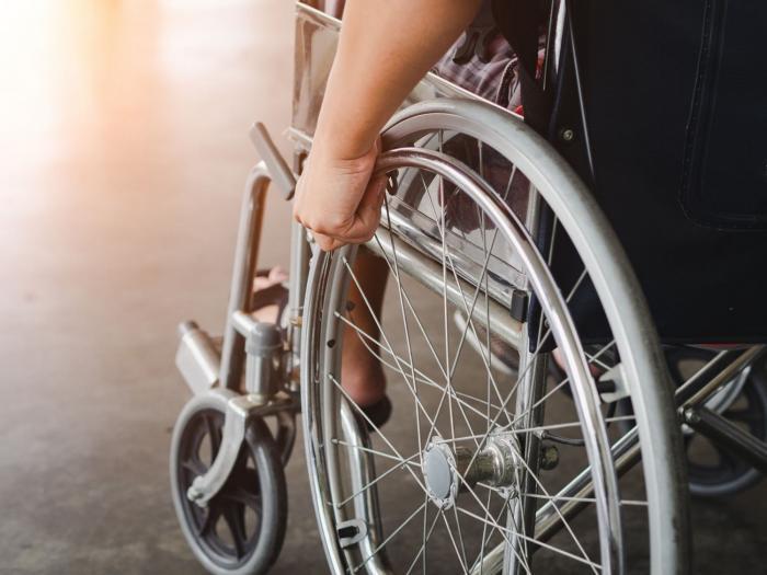 Na invalidním vozíku člověk skončí rychle, ani neví jak.