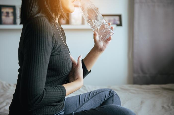 Pálení žáhy není život ohrožující, ale nepříjemné ano.
