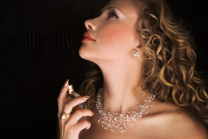 Výběr správného parfému není radno podceňovat.