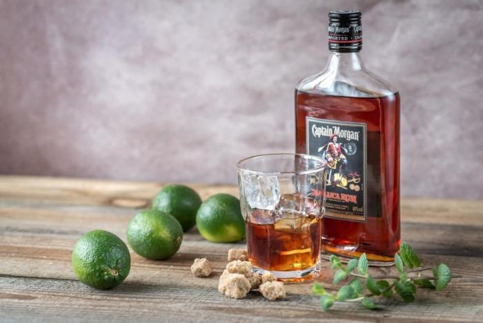 Captain Morgan patří k nejoblíbenějším rumům.