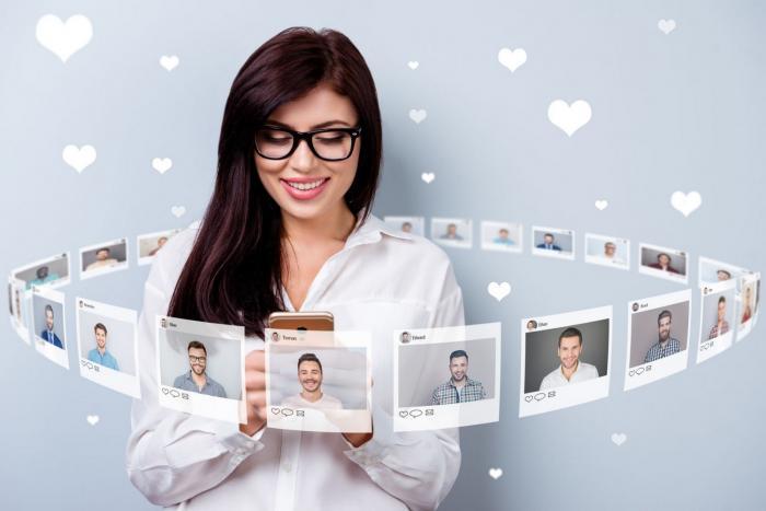Seznamování online má své výhody i nevýhody.