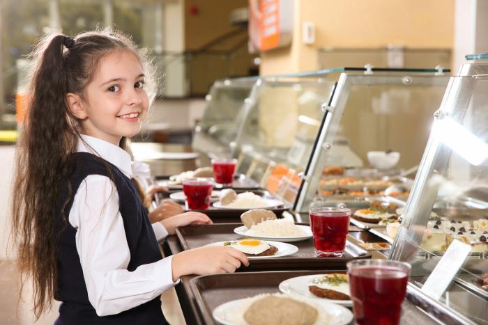 Školní jídelna byla zlo. Naštěstí už se nás netýká.