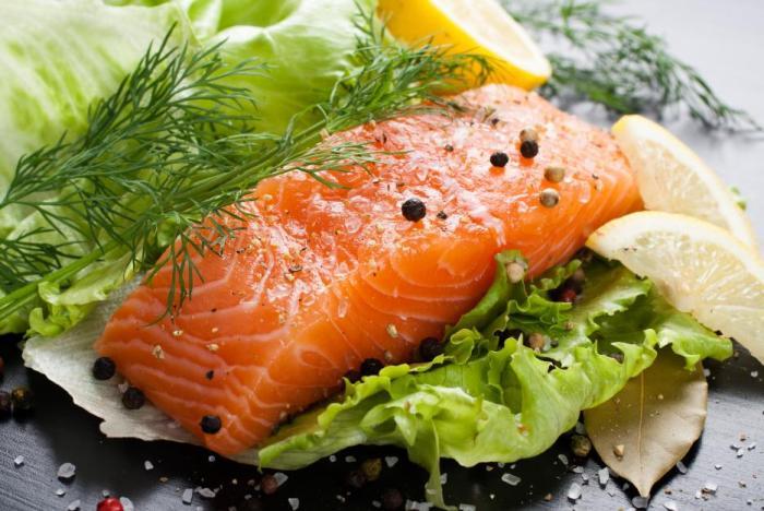 Vhodným zdrojem tuků jsou tučnější ryby.