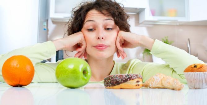 Chceš zhubnout? Pak vsaď na vyvážený a zdravý jídelníček, nikoli na některou z bláznivých diet.