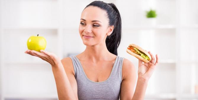 Je vám bližší jablko nebo hamburger? Pokud chcete mít postavu jako lunt, sáhněte raději po ovoci.