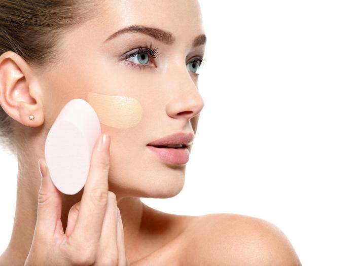 Make-up můžeme nanášet několika způsoby.