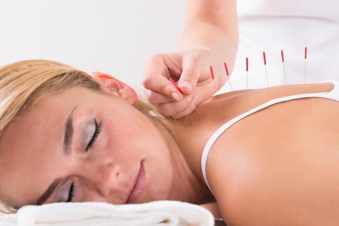 Akupunktura může pomoci, ale její výsledky ověřené nejsou.