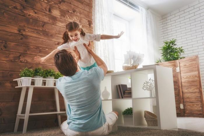 Když hlídá tatínek, může jít o srandu, ale i o zdraví.