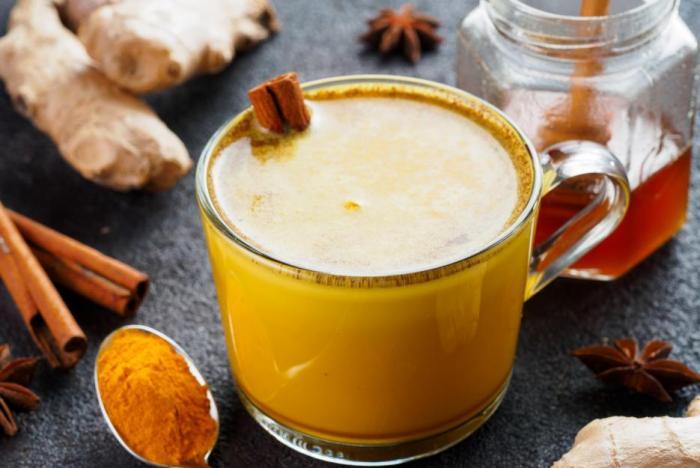 Zlaté mléko pomáhá s mnoha zdravotními potížemi.