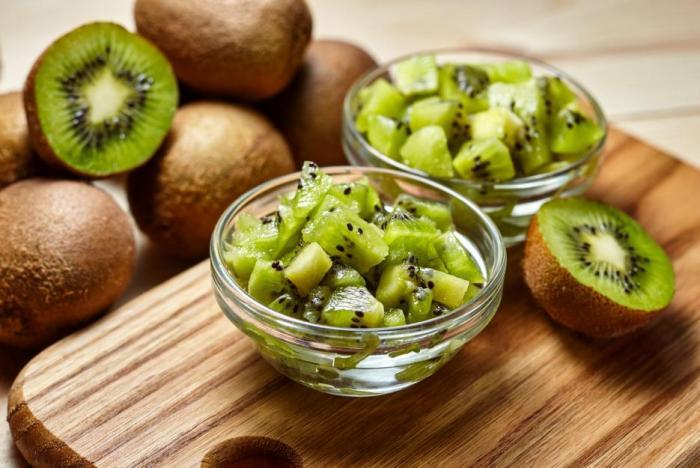 Kiwi obsahuje 10x více vitamínu C než citrusové plody.