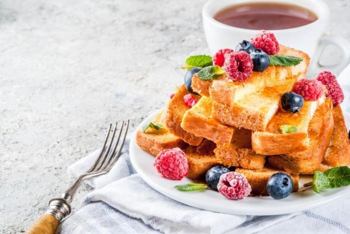 Francouzský toast vznikl, protože bylo třeba využít starý chléb.