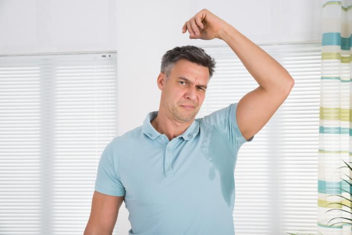 Propocené triko se stane každému. Ale když to nechutně páchne...