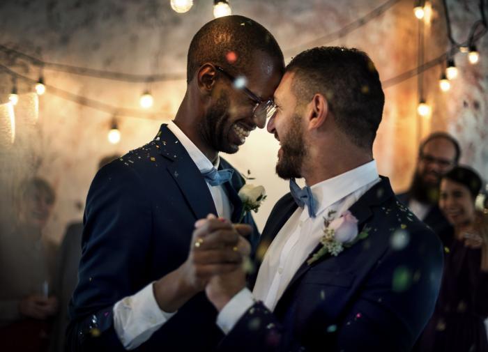 Homosexualita na sebe často nechá čekat.