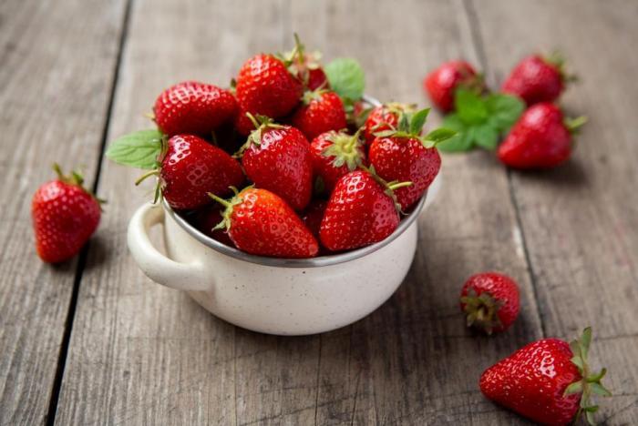 Je spousta důvodů, proč jíst jahody.