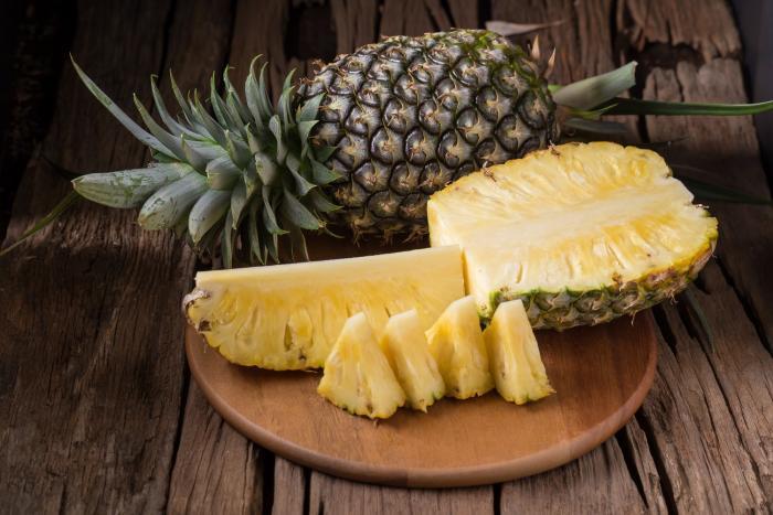 Ananas příznivě působí na imunitní systém a skvěle chutná.