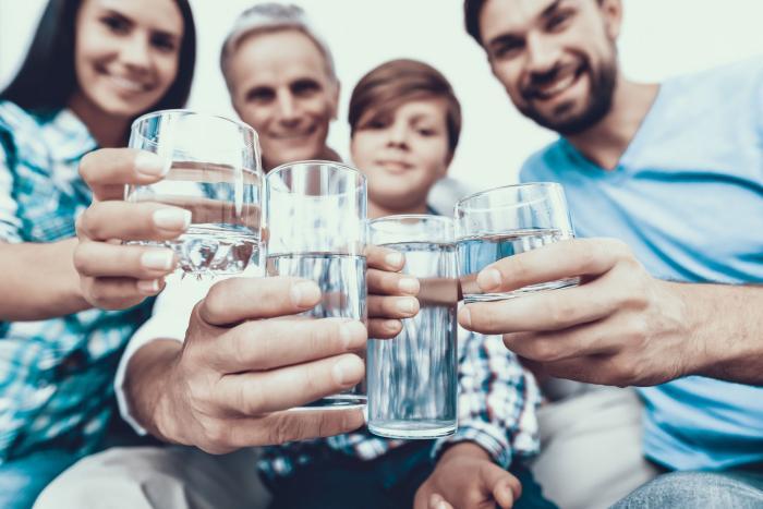Čistá voda je to nejlepší pití.