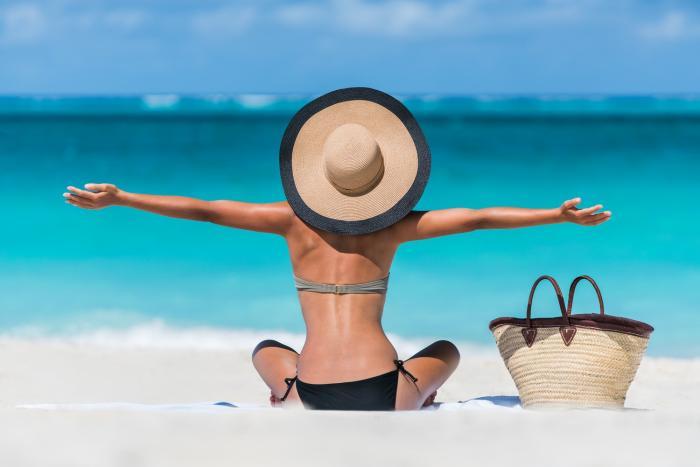 Hlavním zdrojem vitamínu D jsou sluneční paprsky.
