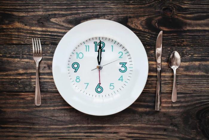 Přerušovaný půst je způsob hubnutí i zlepšení zdraví.