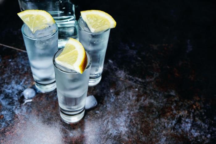 Vodka je tvrdý alkoholický nápoj, ale využít se dá i jinak.