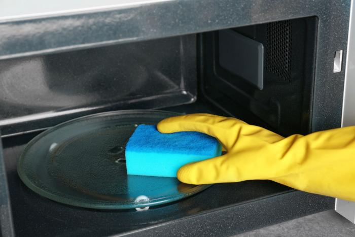 Mikrovlnka se dá používat i jinak než jen na ohřívání jídla.