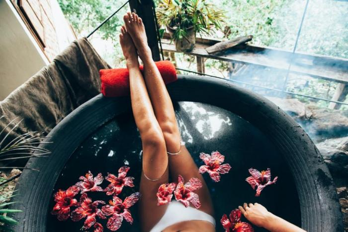 Nemusíš odpočívat v exotických destinacích. Klidně si jen napusť vanu!