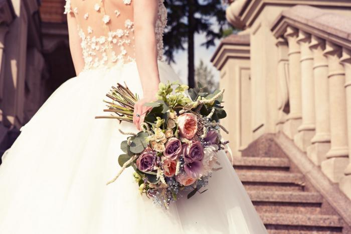 Svatba je den ženicha a nevěsty. Ostatní by to neměli ani za mák mluvit.