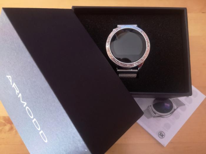 Podívej se, jak dámské sportovní hodinky Armodd Candywatch Crystal šlapou!