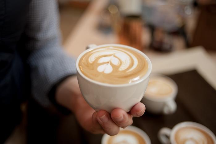 Latte art je velmi oblíbené umění.