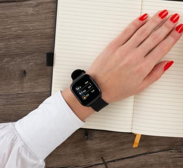 Dámské sportovní hodinky můžou i dobře vypadat.