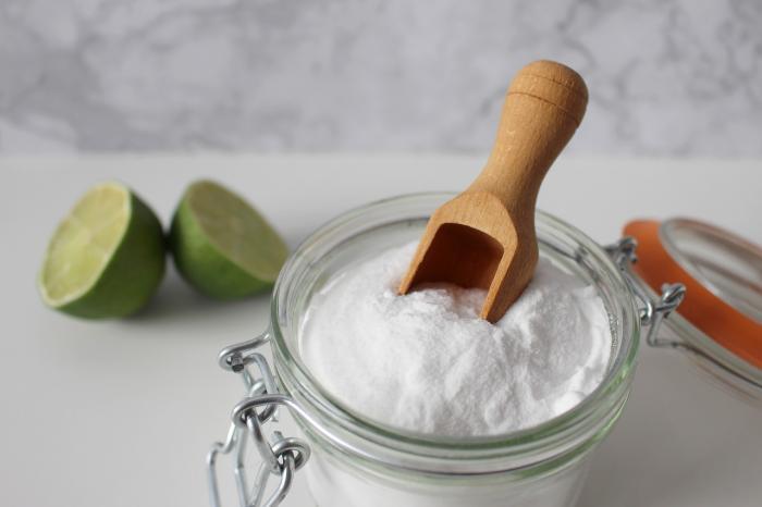 Jedlá soda dokáže v domácnosti i v péči o tělo úplné zázraky.