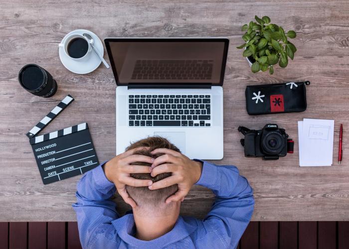 Práce je důležitá, ale workoholismus je závislost jako každá jiná.