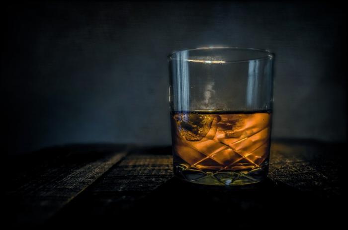 Whisky je velmi oblíbený nápoj napříč planetou.