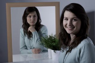 Bipolární afektivní porucha je zákeřná a postihnout může kohokoli.