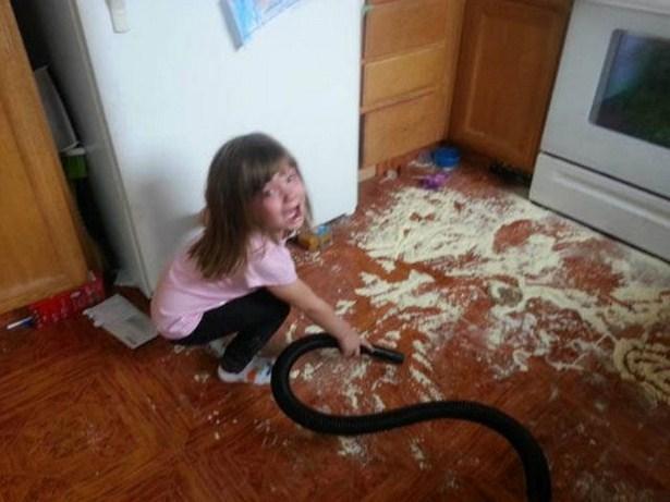 Děti dělají nepořádek.