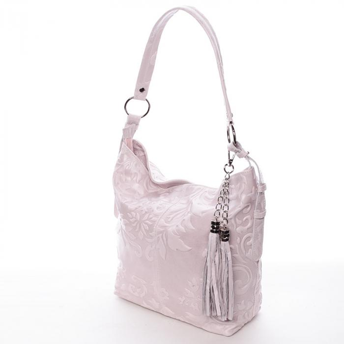 Kožené kabelky nelze nosit, aniž bys jim věnovala péči.
