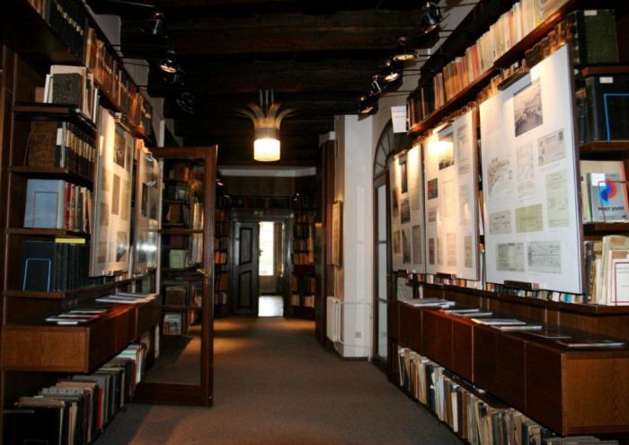 Zajímá tě pošta, známky nebo staré telefonní seznamy? Pak zamiř do Poštovního muzea.