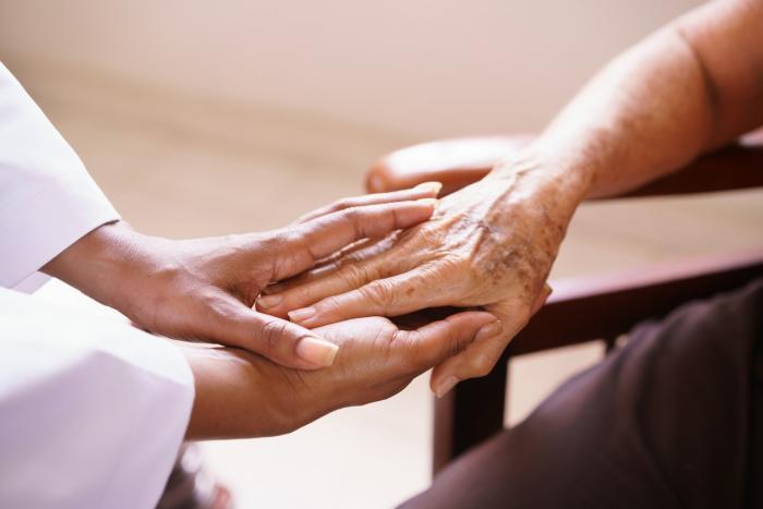 Pomoc a péče v nemocnici nebo sanatoriu může být pro Štíra to pravé.