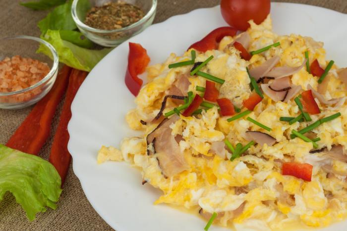 Vejce a maso jsou základem jídelníčku, během něhož dojde ke ketóze.