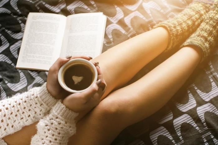 Káva bez kofeinu je stejně dobrým společníkem jako ta normální. Její chuť je obvykle stejná.