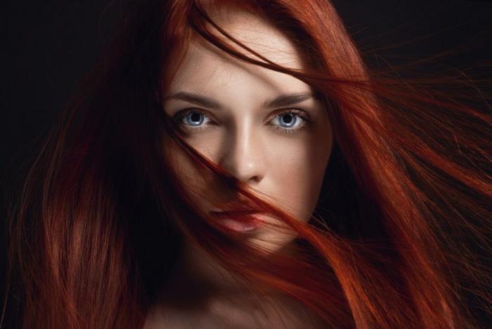 Vlasy potřebují ke zdraví železo, zinek a vitamín C.
